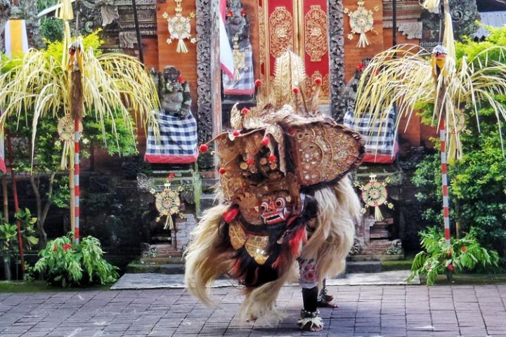barong and kris dance