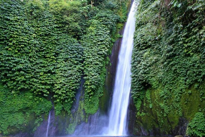 mundul waterfall bali